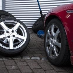 Согласно какого документа нельзя эксплуатировать автомобиль с разной резиной на одной оси