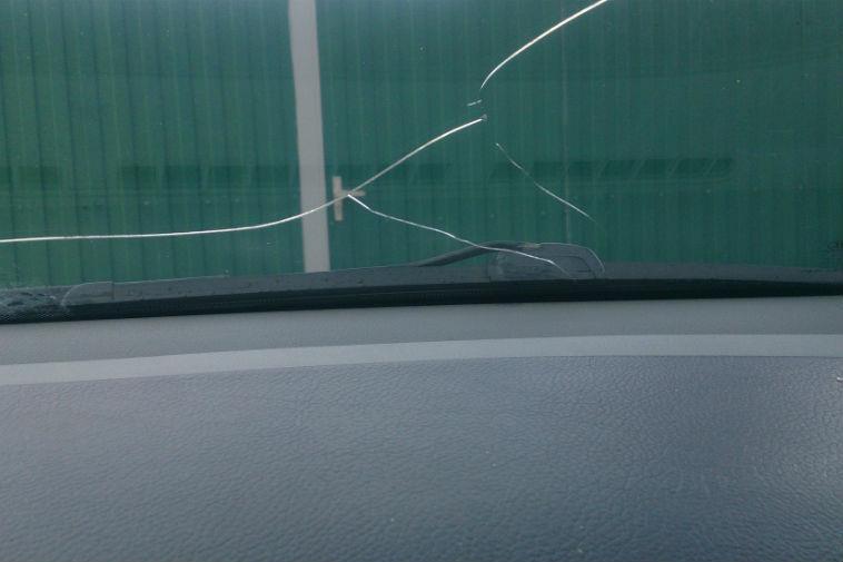 Можно ли поставить на учёт автомобиль с трещиной на лобовом стекле?