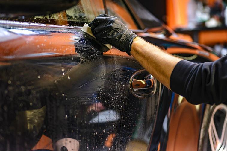 Полировка кузова автомобиля Как правильно и чем полировать автомобиль своими руками Пошаговая инструкция по полировке