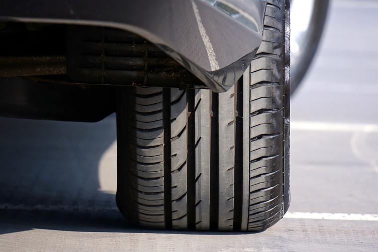 Можно ли ездить на разных шинах: закон и практика вождения
