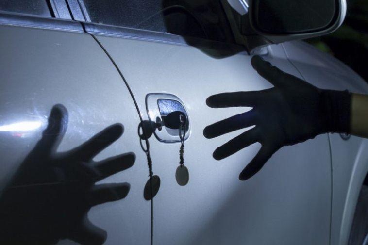 Что делать, если угнали машину? Куда звонить?
