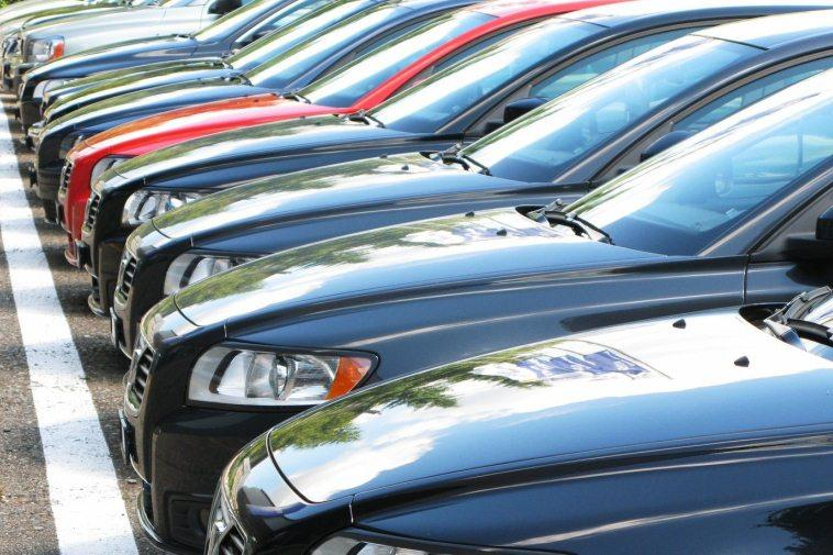 Прогнозы экспертов относительно роста цен на автомобили в России