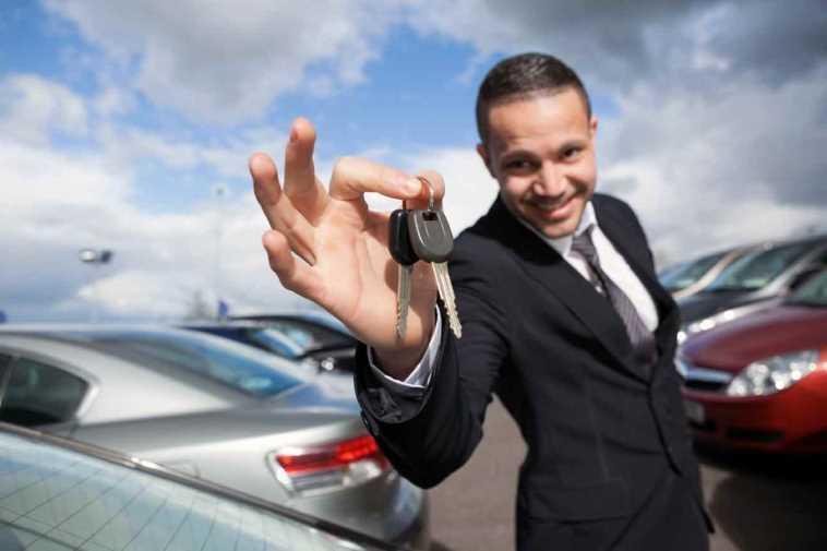 Покупка машины не у собственника: особенности