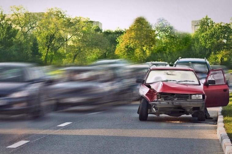 Виновник аварии покинул место инцидента: что делать пострадавшему?